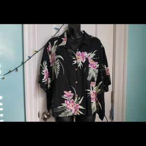 Tops - Super soft Black Hawaiian Printed Button Down